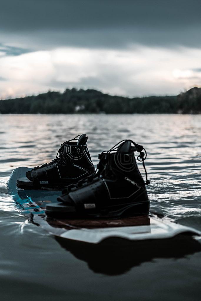 chausses wakeboard 1 - Chausses de wakeboard : les meilleurs modèles en 2021