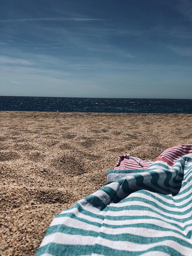 fouta tunisienne sur la plage