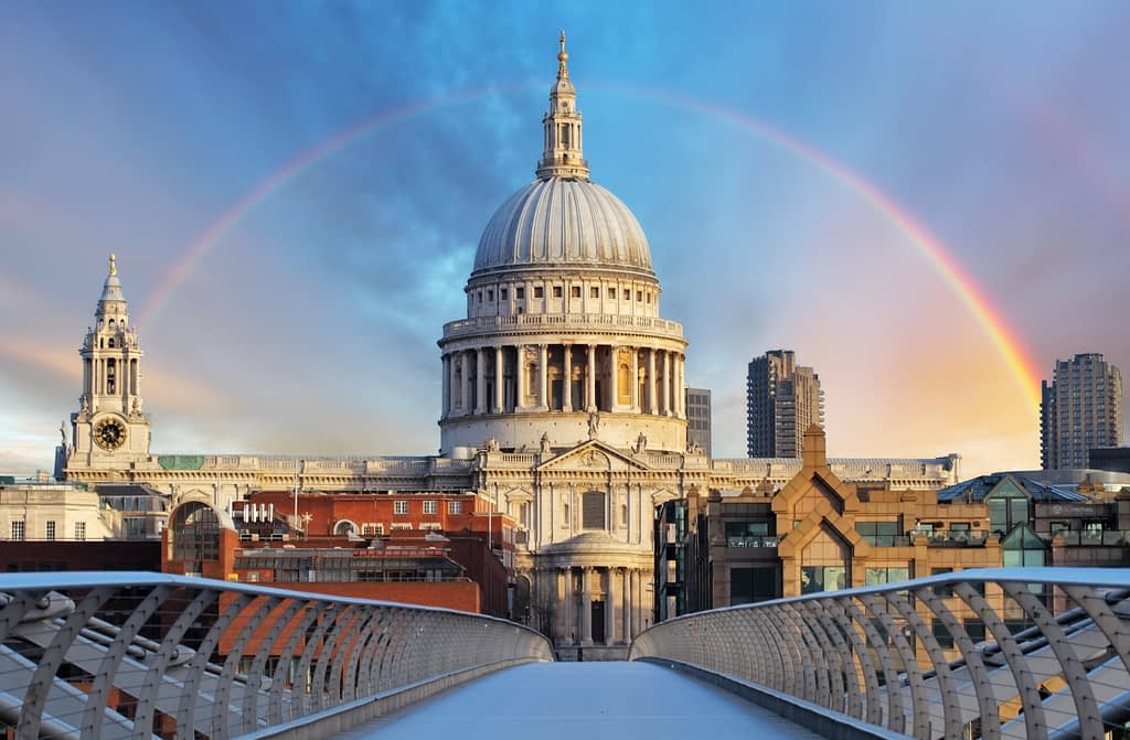 voyager londres cathedrale st paul city